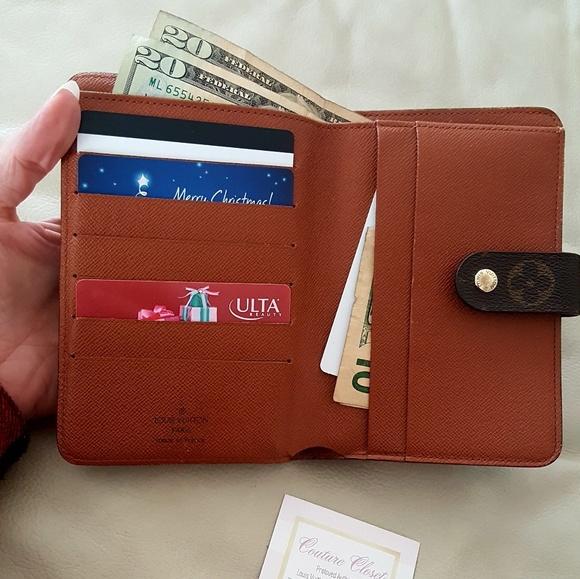 f76d3fa5bb8 Louis Vuitton Handbags - Louis Vuitton Monogram travel passport wallet